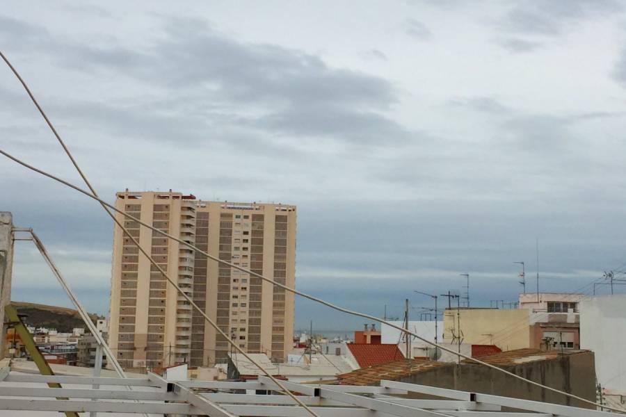 Alicante,Alicante,España,2 Bedrooms Bedrooms,1 BañoBathrooms,Atico,33914