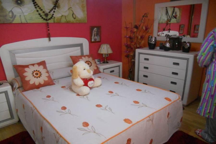 Torrevieja,Alicante,España,2 Bedrooms Bedrooms,1 BañoBathrooms,Apartamentos,33926
