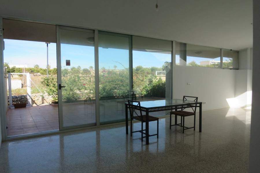 Alicante,Alicante,España,4 Bedrooms Bedrooms,2 BathroomsBathrooms,Bungalow,33955