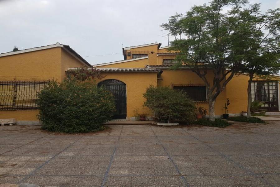 Elche,Alicante,España,5 Bedrooms Bedrooms,5 BathroomsBathrooms,Chalets,33967