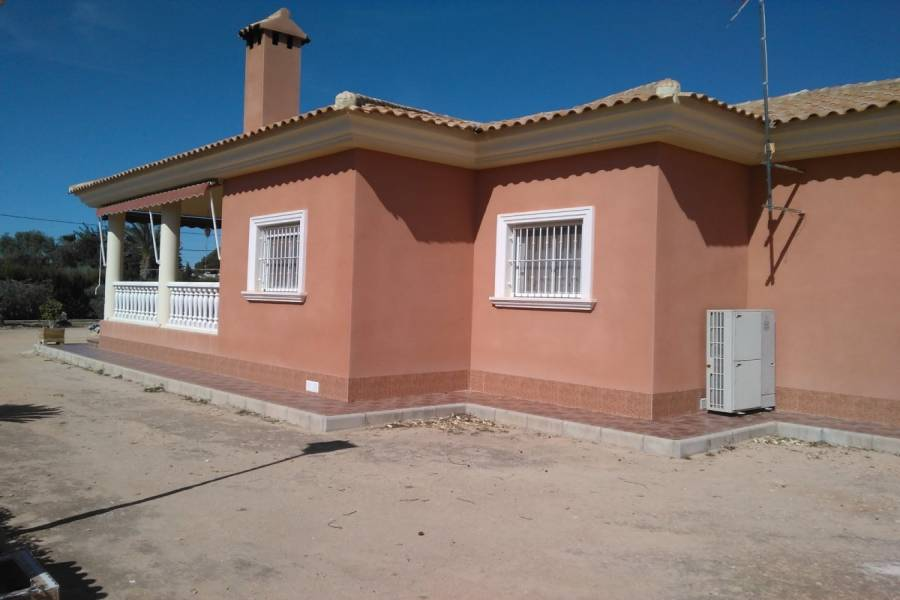 Elche,Alicante,España,4 Bedrooms Bedrooms,2 BathroomsBathrooms,Casas,33977
