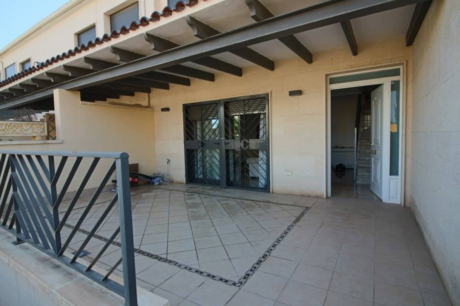 Elche,Alicante,España,4 Bedrooms Bedrooms,3 BathroomsBathrooms,Bungalow,33982