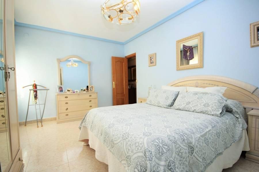 La Nucia,Alicante,España,4 Bedrooms Bedrooms,2 BathroomsBathrooms,Chalets,34052