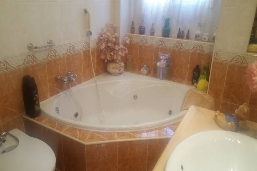 Benidorm,Alicante,España,5 Bedrooms Bedrooms,2 BathroomsBathrooms,Adosada,34117