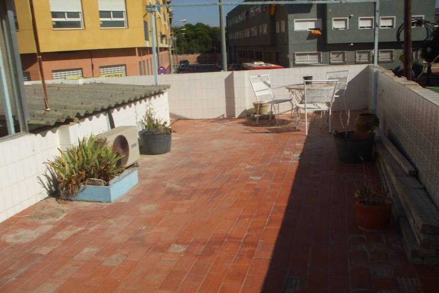 Alicante,Alicante,España,4 Bedrooms Bedrooms,2 BathroomsBathrooms,Planta baja,34151