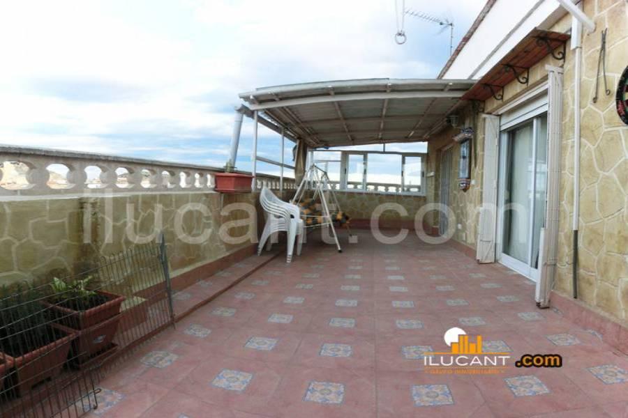 Alicante,Alicante,España,4 Bedrooms Bedrooms,2 BathroomsBathrooms,Atico,34153