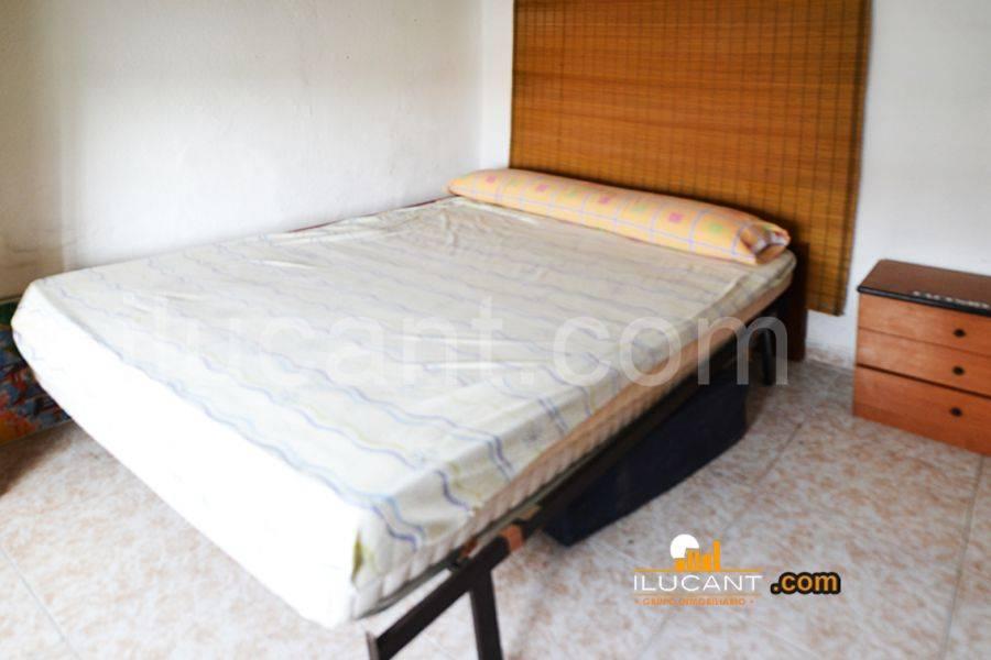 Alicante,Alicante,España,4 Bedrooms Bedrooms,1 BañoBathrooms,Planta baja,34162