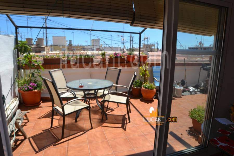 Alicante,Alicante,España,2 Bedrooms Bedrooms,1 BañoBathrooms,Atico,34165