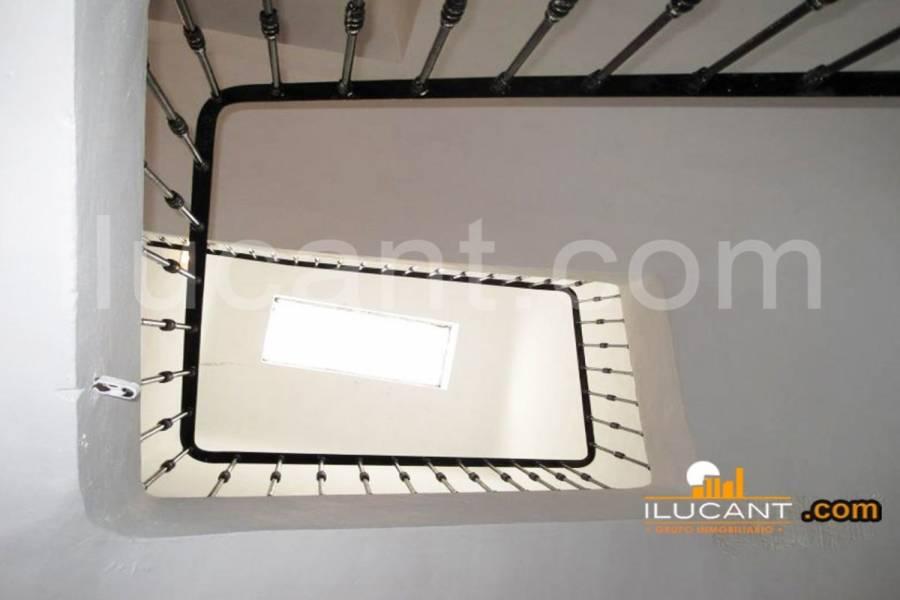 Alicante,Alicante,España,2 Bedrooms Bedrooms,2 BathroomsBathrooms,Edificio,34174