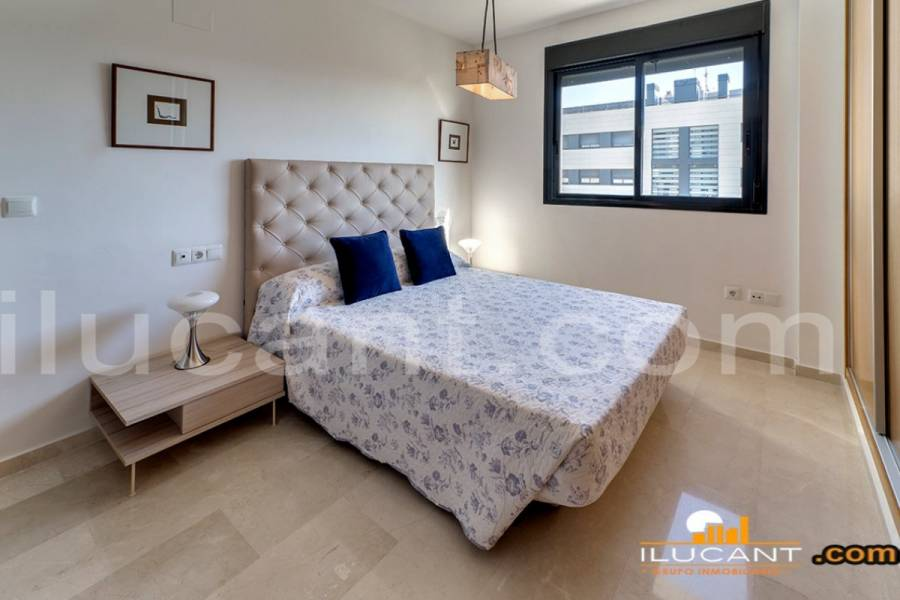 Alicante,Alicante,España,4 Bedrooms Bedrooms,2 BathroomsBathrooms,Atico,34182