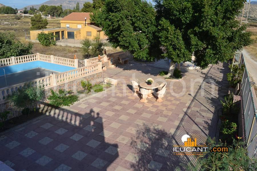 Agost,Alicante,España,4 Bedrooms Bedrooms,2 BathroomsBathrooms,Chalets,34184