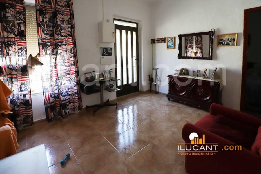 Alicante,Alicante,España,3 Bedrooms Bedrooms,1 BañoBathrooms,Planta baja,34187