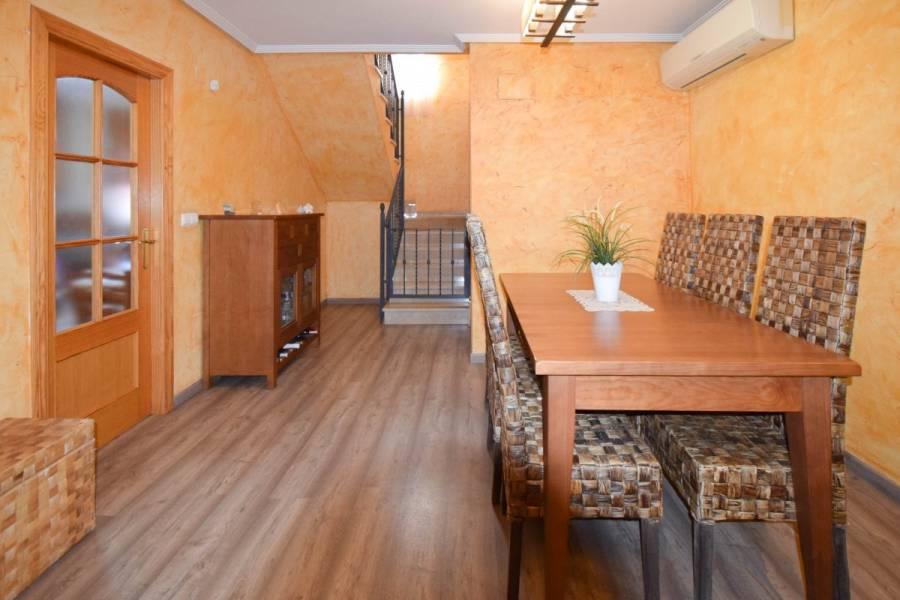San Isidro, Alicante, España, 3 Bedrooms Bedrooms, ,2 BathroomsBathrooms,Adosada,Venta,34199