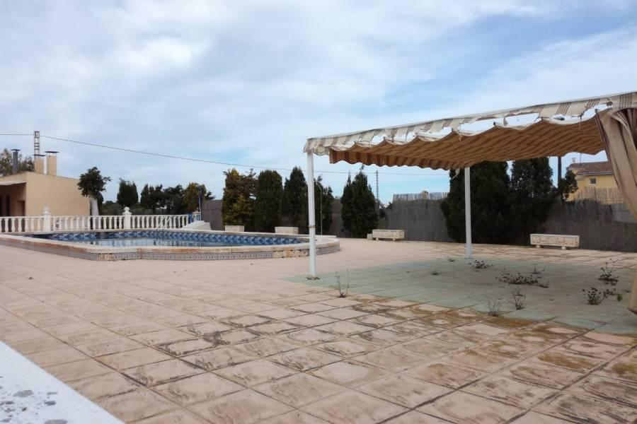 Valverde,Alicante,España,5 Bedrooms Bedrooms,3 BathroomsBathrooms,Chalets,34218