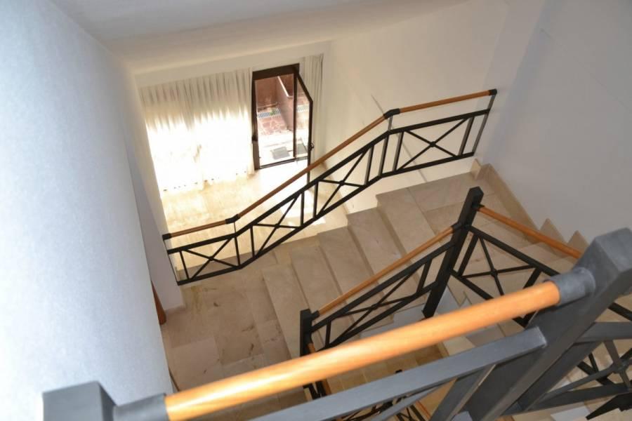 Alicante,Alicante,España,4 Bedrooms Bedrooms,4 BathroomsBathrooms,Adosada,34220
