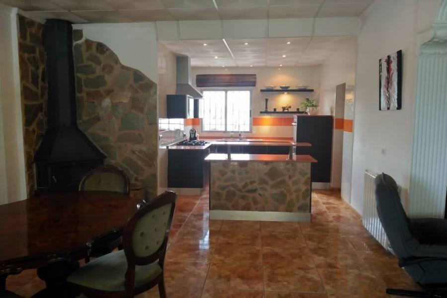 Villena,Alicante,España,5 Bedrooms Bedrooms,2 BathroomsBathrooms,Chalets,34262