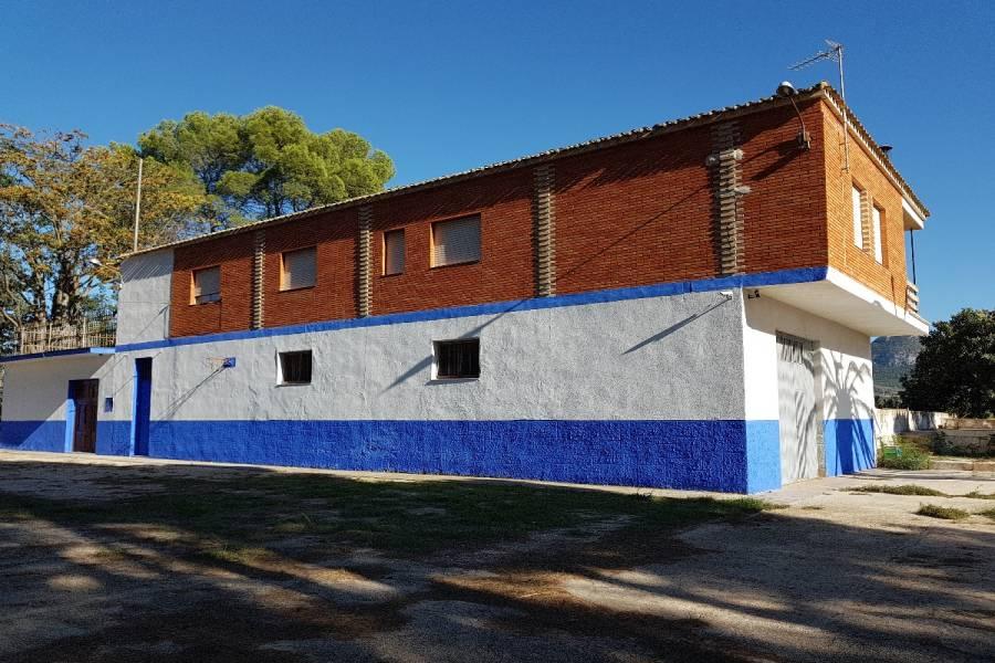 Villena,Alicante,España,5 Bedrooms Bedrooms,2 BathroomsBathrooms,Chalets,34270