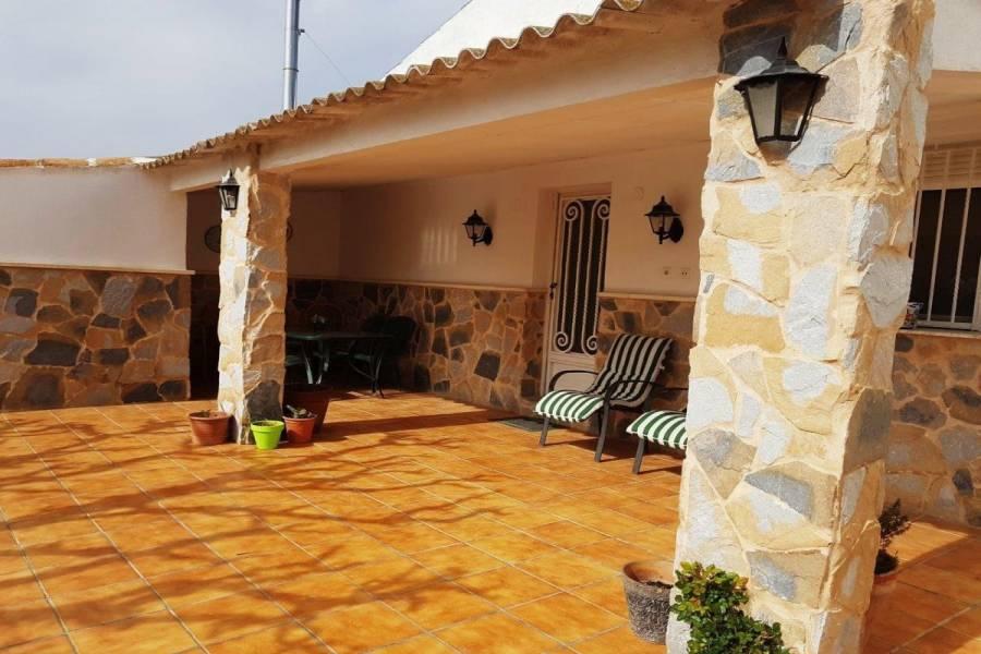 Villena,Alicante,España,4 Bedrooms Bedrooms,2 BathroomsBathrooms,Chalets,34281