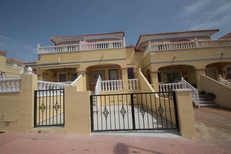 San Miguel de Salinas,Alicante,España,3 Bedrooms Bedrooms,2 BathroomsBathrooms,Adosada,34320