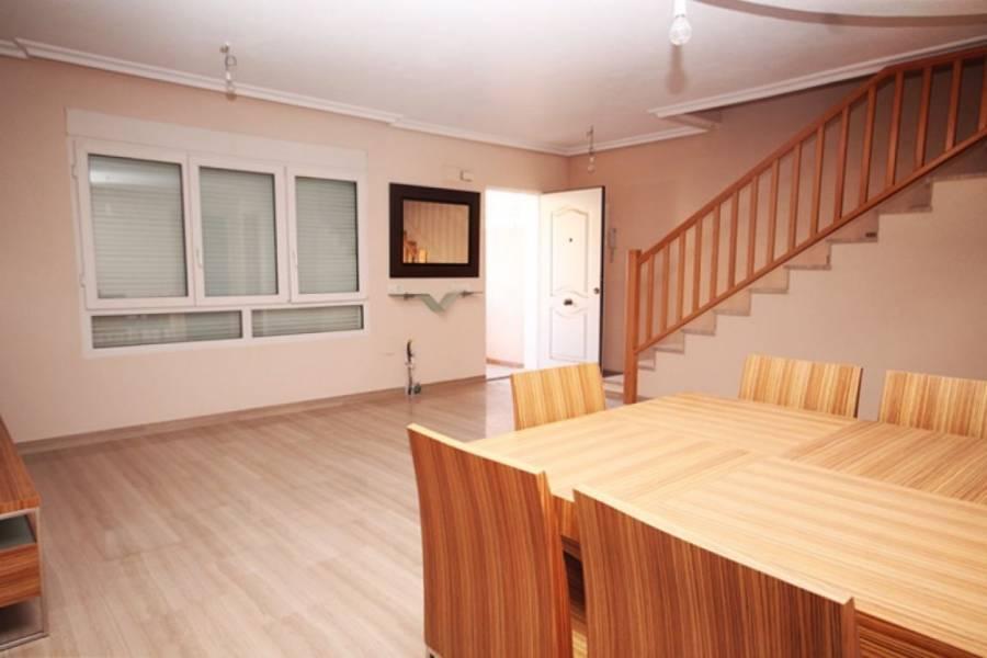 Guardamar del Segura,Alicante,España,4 Bedrooms Bedrooms,3 BathroomsBathrooms,Adosada,34355