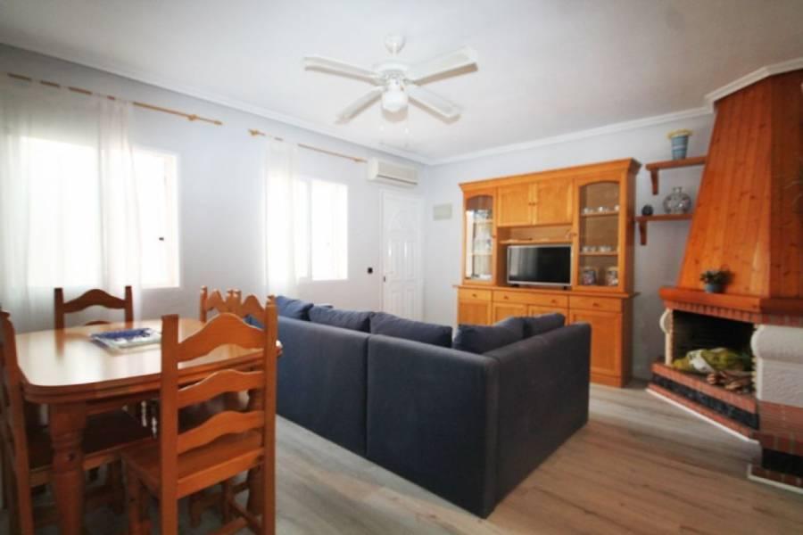 Torrevieja,Alicante,España,3 Bedrooms Bedrooms,1 BañoBathrooms,Bungalow,34356