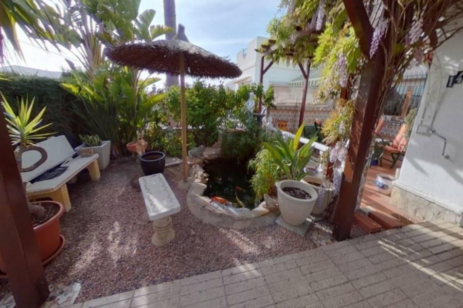 Torrevieja,Alicante,España,2 Bedrooms Bedrooms,2 BathroomsBathrooms,Chalets,34371