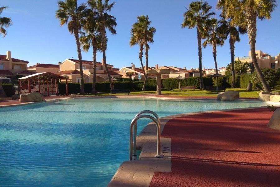 Santa Pola,Alicante,España,4 Bedrooms Bedrooms,3 BathroomsBathrooms,Bungalow,34426
