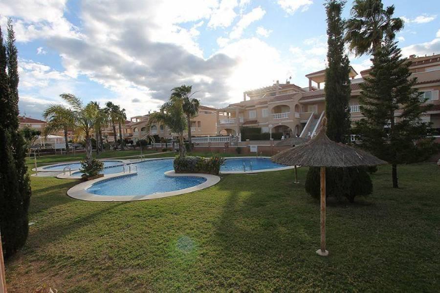 Orihuela,Alicante,España,3 Bedrooms Bedrooms,3 BathroomsBathrooms,Fincas-Villas,3902