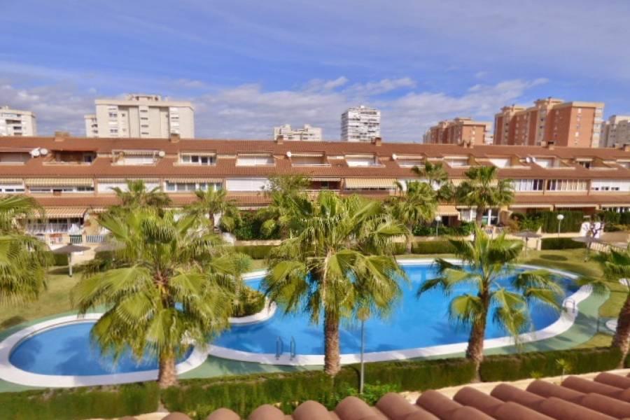 Alicante,Alicante,España,4 Bedrooms Bedrooms,4 BathroomsBathrooms,Adosada,34490