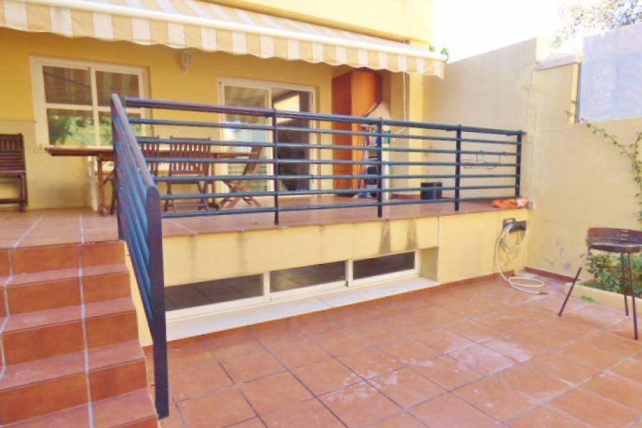 Alicante,Alicante,España,3 Bedrooms Bedrooms,2 BathroomsBathrooms,Bungalow,34493