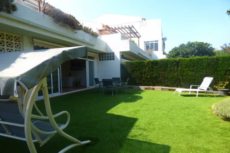 Alicante,Alicante,España,4 Bedrooms Bedrooms,2 BathroomsBathrooms,Planta baja,34498