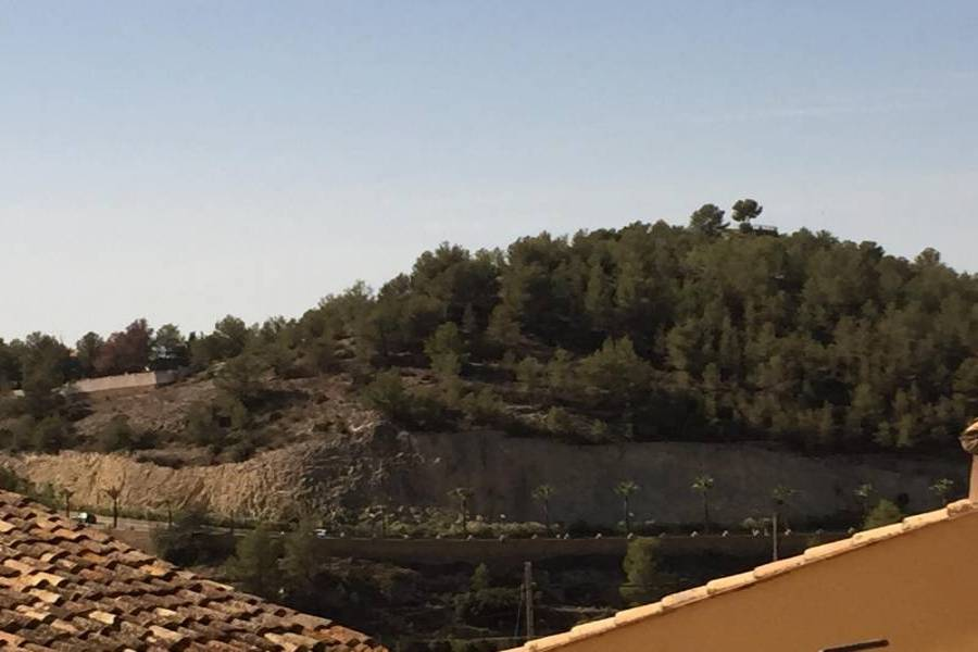 Polop,Alicante,España,6 Bedrooms Bedrooms,2 BathroomsBathrooms,Casas,34517