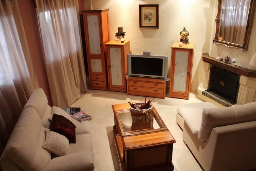 Elche,Alicante,España,3 Bedrooms Bedrooms,3 BathroomsBathrooms,Adosada,34576