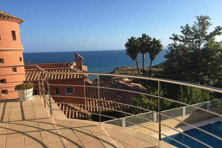 Alicante,Alicante,España,5 Bedrooms Bedrooms,5 BathroomsBathrooms,Chalets,34596