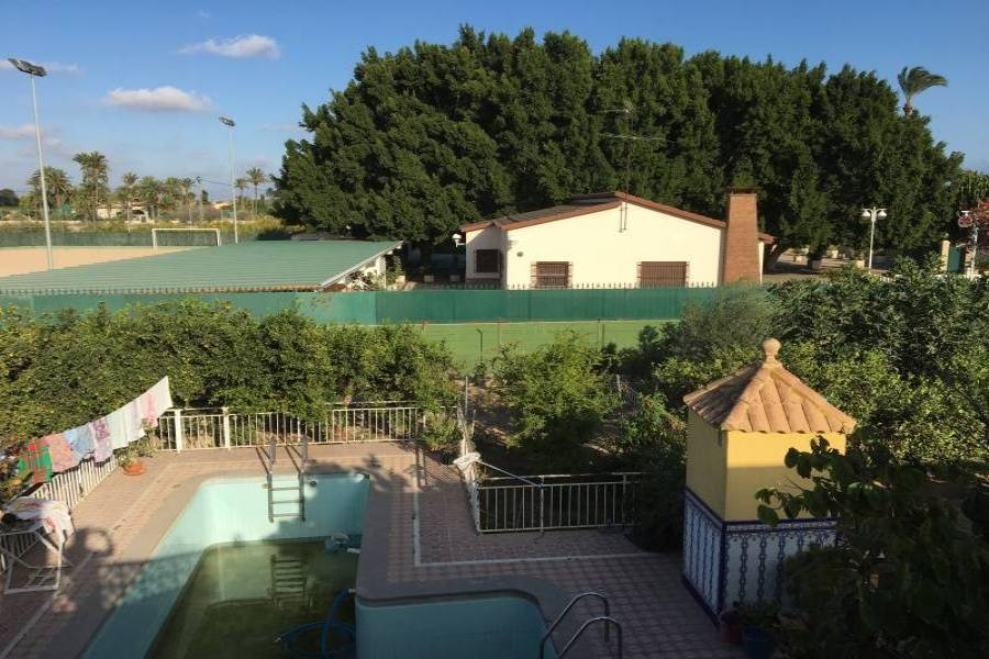 Elche,Alicante,España,9 Bedrooms Bedrooms,4 BathroomsBathrooms,Chalets,34598