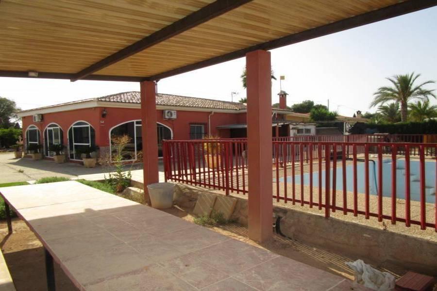 Elche,Alicante,España,3 Bedrooms Bedrooms,1 BañoBathrooms,Chalets,34607