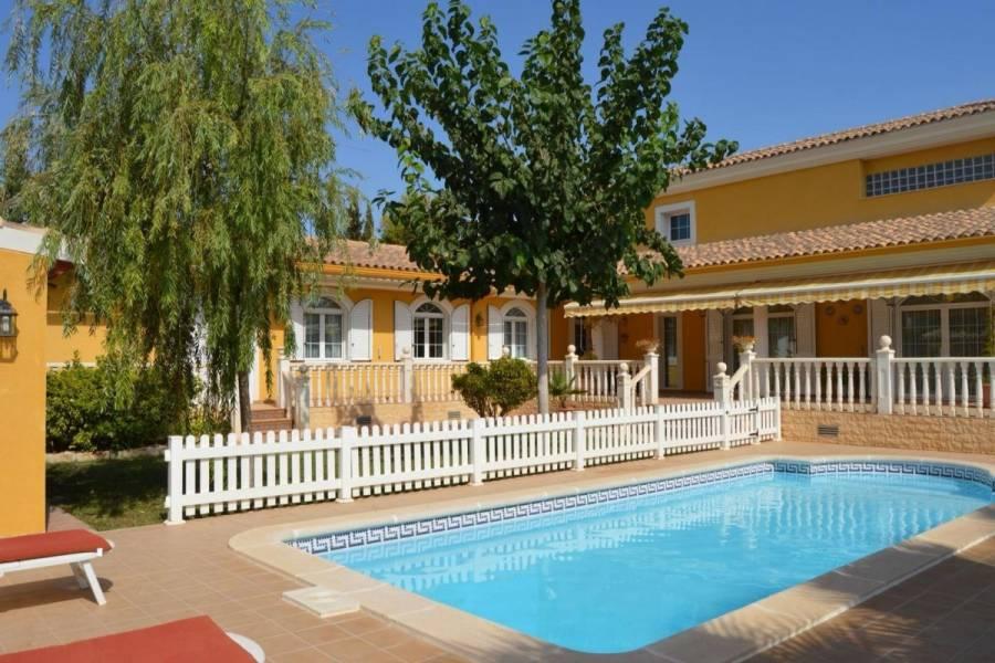 San Vicente del Raspeig,Alicante,España,4 Bedrooms Bedrooms,2 BathroomsBathrooms,Chalets,34639