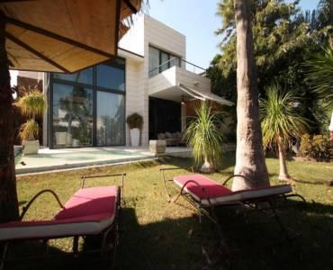 Alicante,Alicante,España,3 Bedrooms Bedrooms,4 BathroomsBathrooms,Chalets,34640