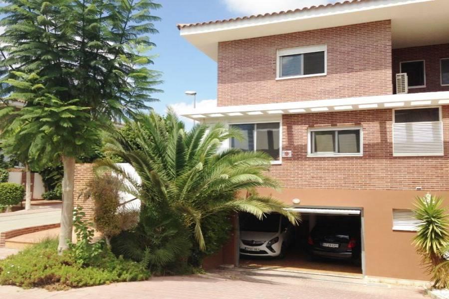 Mutxamel,Alicante,España,4 Bedrooms Bedrooms,2 BathroomsBathrooms,Bungalow,34657
