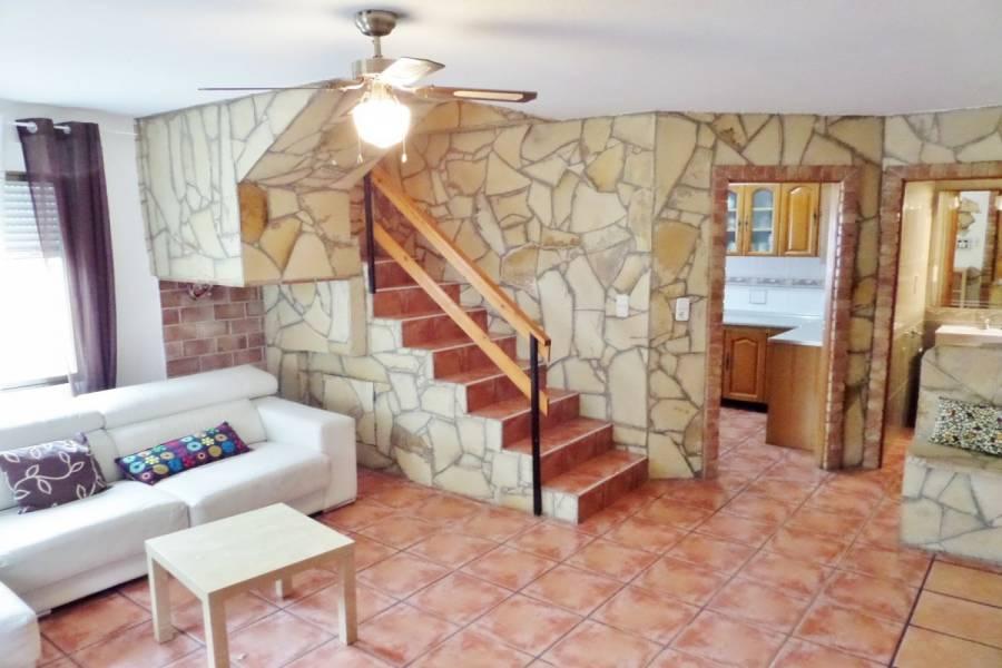 Torrevieja,Alicante,España,4 Bedrooms Bedrooms,3 BathroomsBathrooms,Adosada,34678