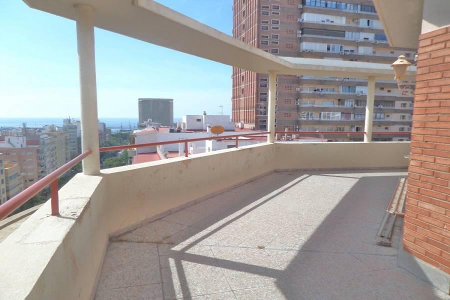 Alicante,Alicante,España,4 Bedrooms Bedrooms,2 BathroomsBathrooms,Atico,34703