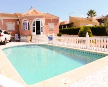 Torrevieja,Alicante,España,4 Bedrooms Bedrooms,2 BathroomsBathrooms,Chalets,34793