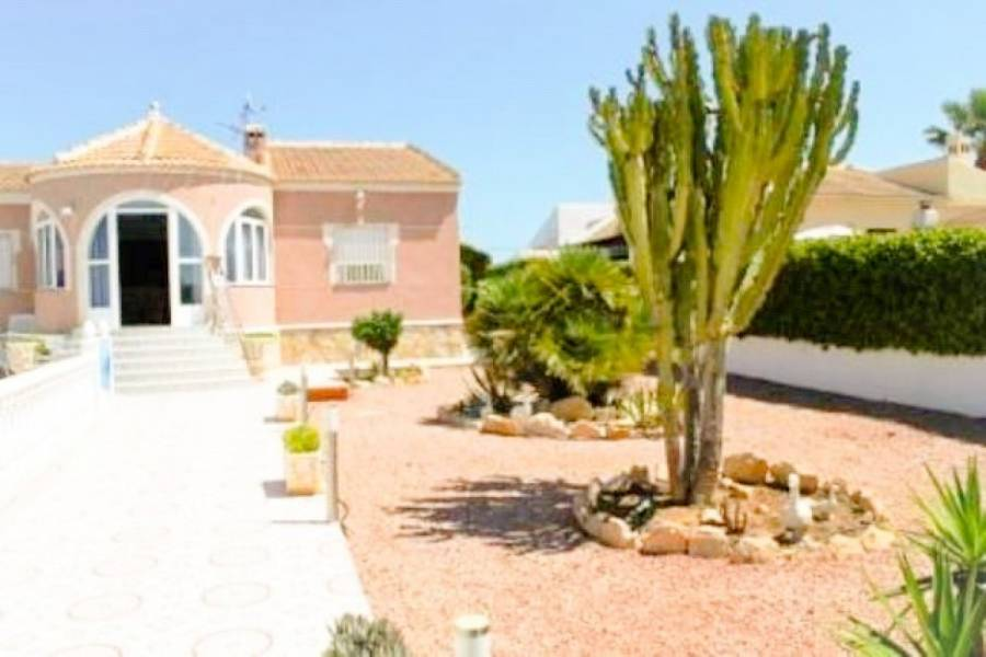 Torrevieja,Alicante,España,4 Bedrooms Bedrooms,2 BathroomsBathrooms,Chalets,34793