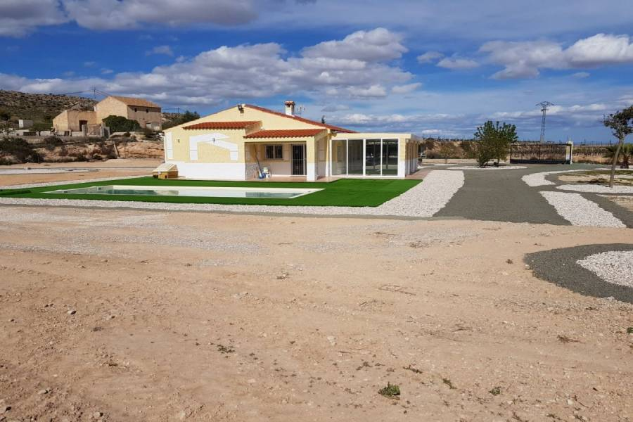 La Romana,Alicante,España,3 Bedrooms Bedrooms,2 BathroomsBathrooms,Chalets,34823