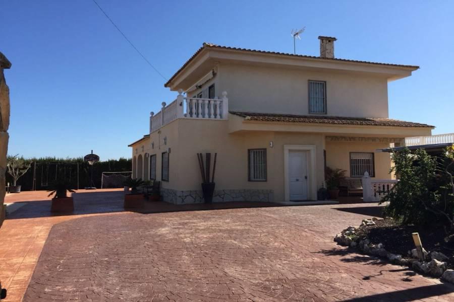 Elche,Alicante,España,5 Bedrooms Bedrooms,3 BathroomsBathrooms,Chalets,34854