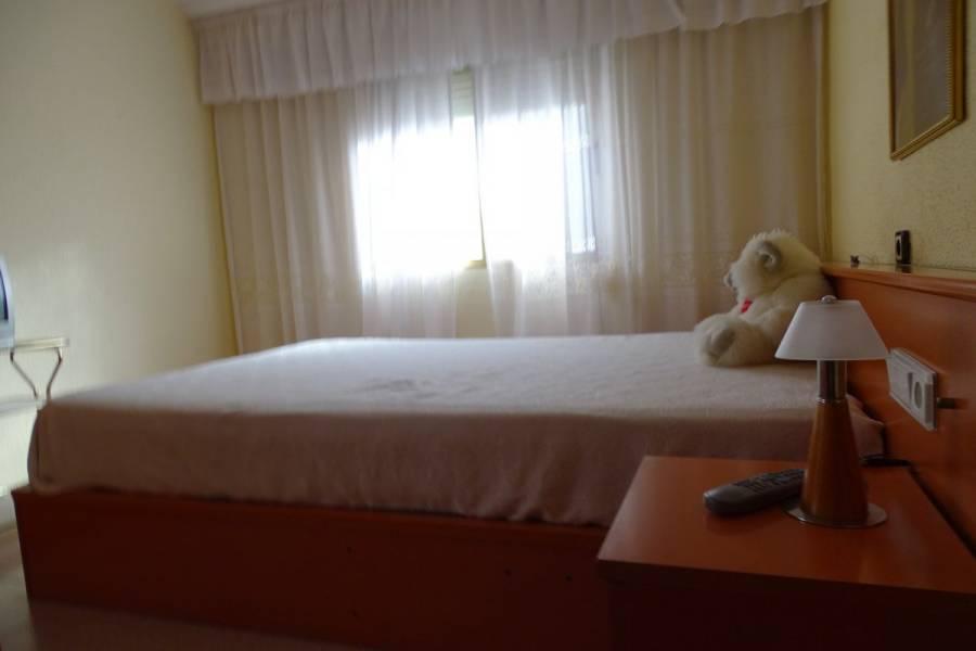 Alicante,Alicante,España,3 Bedrooms Bedrooms,1 BañoBathrooms,Atico,34875