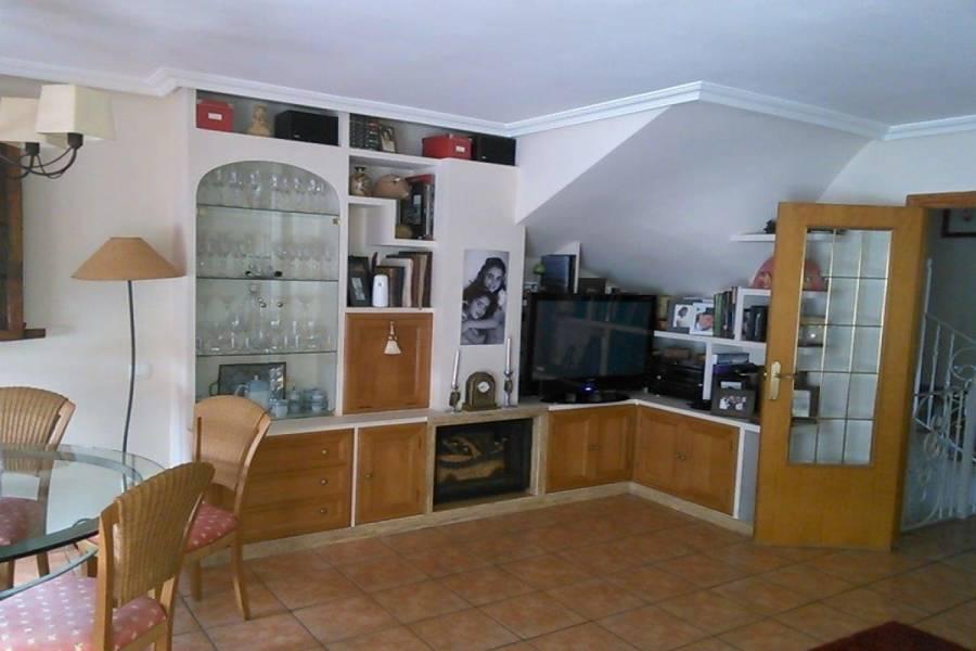 San Vicente del Raspeig,Alicante,España,3 Bedrooms Bedrooms,2 BathroomsBathrooms,Adosada,34878