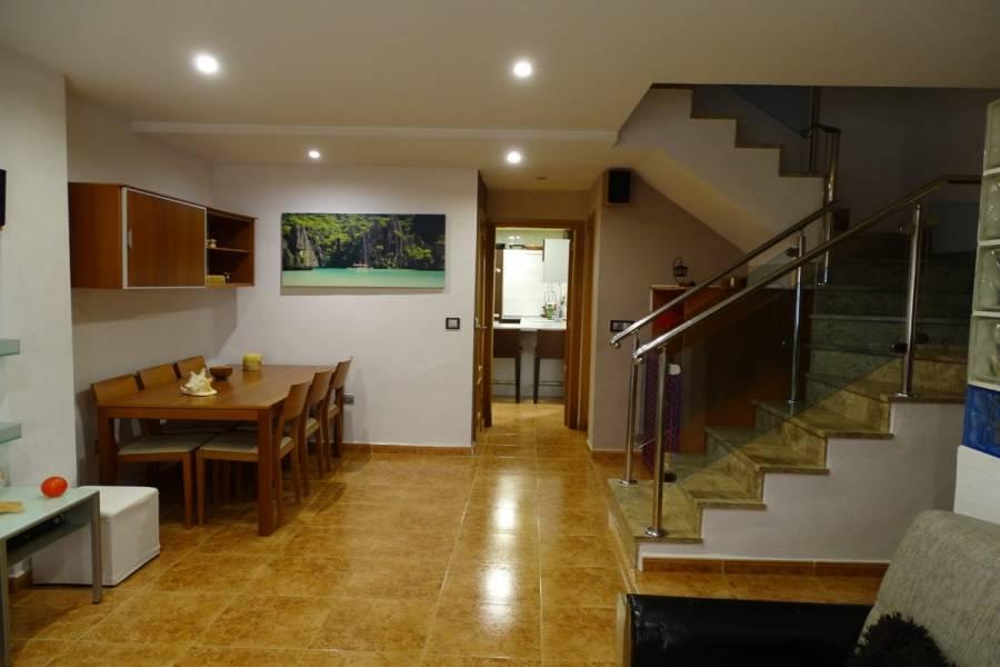 San Vicente del Raspeig,Alicante,España,4 Bedrooms Bedrooms,2 BathroomsBathrooms,Adosada,34879