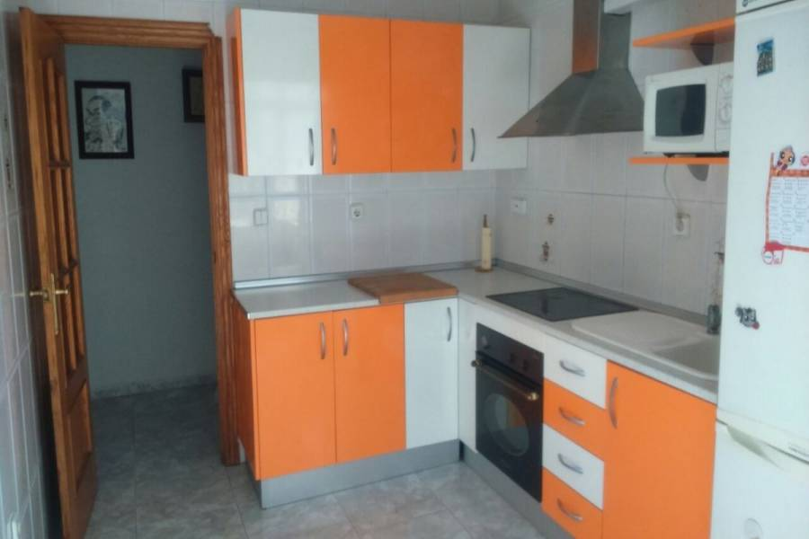 Alicante,Alicante,España,3 Bedrooms Bedrooms,1 BañoBathrooms,Atico,34883