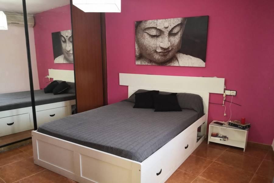 San Vicente del Raspeig,Alicante,España,3 Bedrooms Bedrooms,1 BañoBathrooms,Planta baja,34884